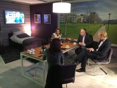 Tweede kamerlid Lea Bouwmeester bezoekt Centrale24